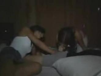 فتيات مراهقات تعرض صدرها وثديها وكاسها سكس