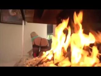 رائع جبهة تحرير مورو الإسلامية سامانثا سانت لعق وامتصاص عشيقها الاباحية