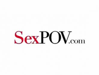 فيرونيكا أفلوف وبعلها عادوا إلى المنزل بعد أن ذهبوا جميعًا إلى العمل لممارسة الجنس