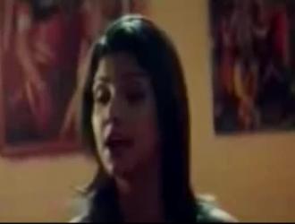 فتاة هندية رائعة تحصل على مسمر مبكرًا في الصباح ، لأنها قرنية للغاية