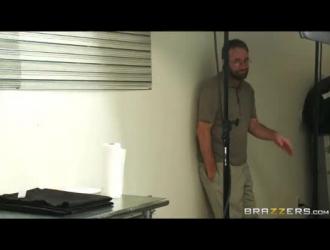 تحميل مقطع فيديو سكس مثير وساخن جدا Mp4