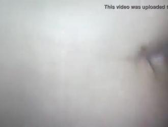 الفرخ الأبيض مارس الجنس في بوسها