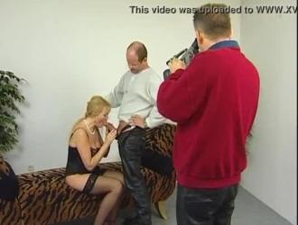 امرأة سمراء عارية ذات شعر طويل ، حصلت جايا فاي على جرعتها اليومية من الجنس العاطفي