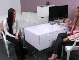 فيديو بوس مص لسان فموي سحاق بنات