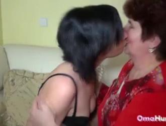 ام تدخل ع ابتها تتناك من صديقها سكس