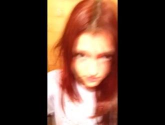 حار أحمر الشعر فتاة وقحة كذاب في هذا ناضج شاق كوك