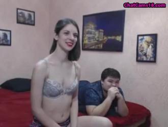 امرأة سمراء السمين يحصل بوسها اصابع الاتهام ومارس الجنس من قبل حبيبها فاتنة