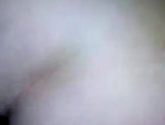 الساخنة في سن المراهقة الحصول على بوسها يمسح من قبل ديك الوحش كبيرة
