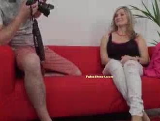 مفلس شقراء فاتنة سخيف صديقها مثليه وجعل الفيديو بوف ، للمتعة فقط