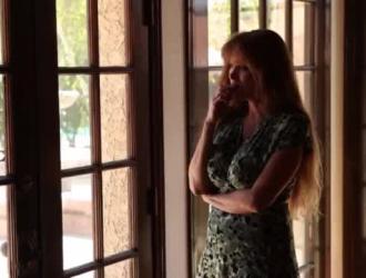 دارلا سي هي امرأة ناضجة وناضجة مع شعر كس تحتاج إلى نكاح جيد