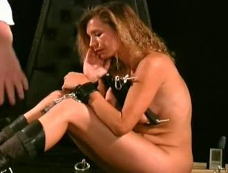 Xnxx وتعذيب واغتصاب قديم