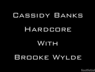 دعت بروك وايلد عشيقها للقيام بعمل جيد في كل تمرين تقوم به في صالة الألعاب الرياضية