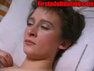 امرأة ناضجة رائعة مع كبير الثدي الحصول على استغل من قبل الحبيب الأسود