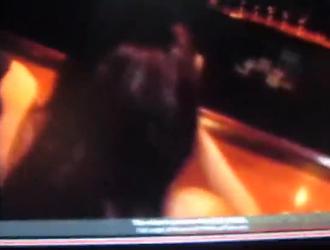 شقراء مثيرة ، نزلت كيسي تايلور على ركبتيها في غرفة الفندق وأعطت الأمر