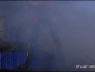 جانيس جريفيث تواجه ضجة بعد مسابقة اللسان المثيرة للغاية ، من شريكها المقرن