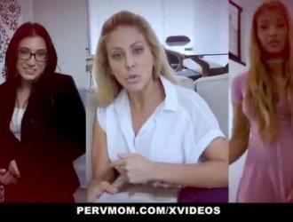 شيري ديفيل في حالة مزاجية لممارسة الجنس مع مانويل ، بينما تعمل والدتها