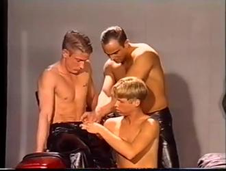 مسمار مثلي الجنس قرنية سخيف ثلاثة رجال