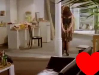 امرأة سمراء مثير سيرينا الشمس في الملابس الداخلية يحصل مارس الجنس من قبل رجلها قرنية