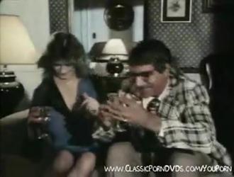 بوف يمارس الجنس مع مارلين في أسلوبها