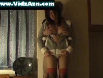 جبهة مورو كبيرة الصدر في ملابس داخلية مثيرة مارس الجنس في غرفة كبار الشخصيات