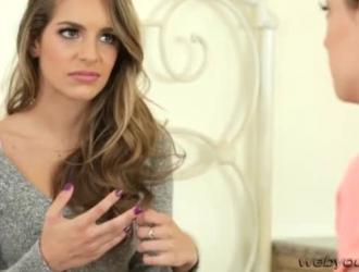 كريستين سكوت تفتح فمها وتمتص قضيب شريكها ، في كل مرة تريد أن تقذف