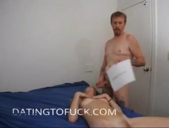 يساعد الديك الأسود على تشغيل هذه الزوجة الخجولة اللطيفة لممارسة الجنس الشرجي