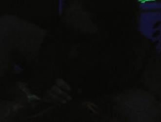 زوجة قرنية مارس الجنس مع دسار من قبل اثنين من دونغ الثابت