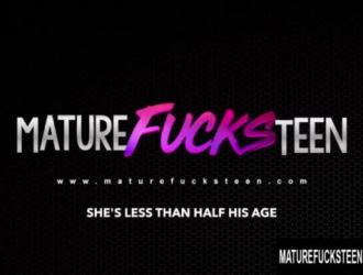 نويل إيستون هي مجرد هاوية تحب تحويل تخيلاتها إلى حقيقة ، لأنها تحب الجنس