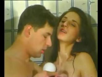سكس اجنبي جوليا ان قذف داخل الفم