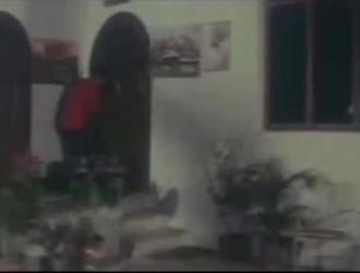 مغرية سمراء الهواة الملاعين المتشددين الديك في بوف في الاستوديو