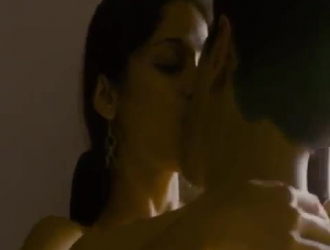 صور الممثلة براغيا وهي عارية