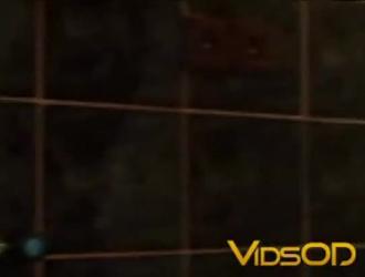امرأة سمراء مفلس تجريد عارية في الحمام