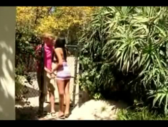 يمارس تايلور بوي فريند وصديقها الجنس كما لم يحدث من قبل ، أثناء وجودهما في غرفة الفندق