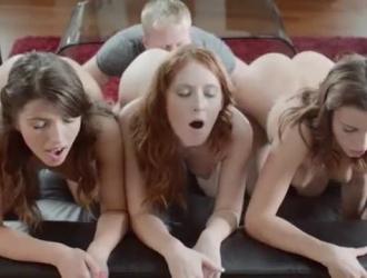 ثلاث فتيات ، ليا وفاليري الجنس