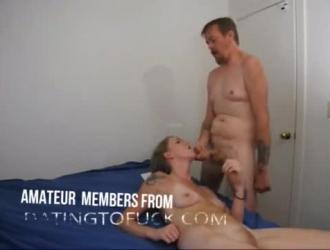 سكرتير جاف مثير يمارس الجنس مع رئيسها في المكتب