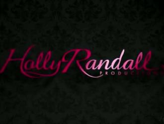 رايلي ريد وآشلي أوريون يمارسان الحب مع بعضهما البعض ويئن ، لأن ذلك يشعر بالرضا