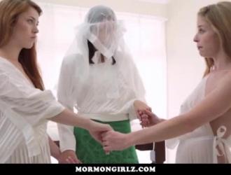 تحصل مارس الجنس فتاة سيئة اضافية بالقرب من قبل اثنين من الرجال قرنية الذين فوجئوا.