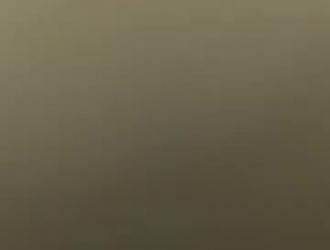 شير الأسود مع ديكس غرامة في بقعة بوسها.