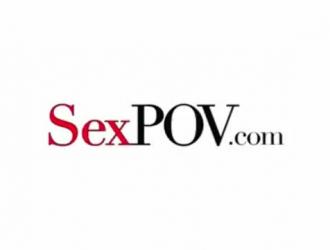 أليكس لينكس تصرخ من دواعي سروري بينما صديقها يمارس الجنس معها كما لم يحدث من قبل.
