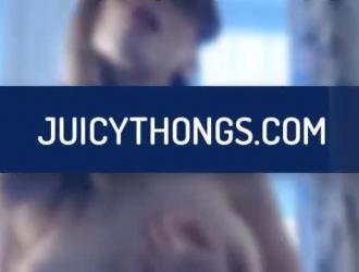 متعرج الاسترالي في سن المراهقة يحب ممارسة الجنس الشرجي العميق مع شريكها.