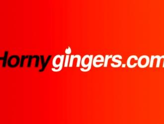 نجمة البورنو أحمر الشعر مع الثدي الألمانية اللطيفة تتمتع جينا جولد ببعض المرح المشبع بالبخار.